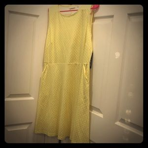 Dresses & Skirts - New York & co yellow dress